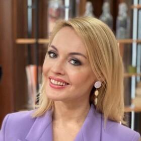 Ирина Сашина, ведущая утренней программы «Настроение» на телеканале ТВ Центр
